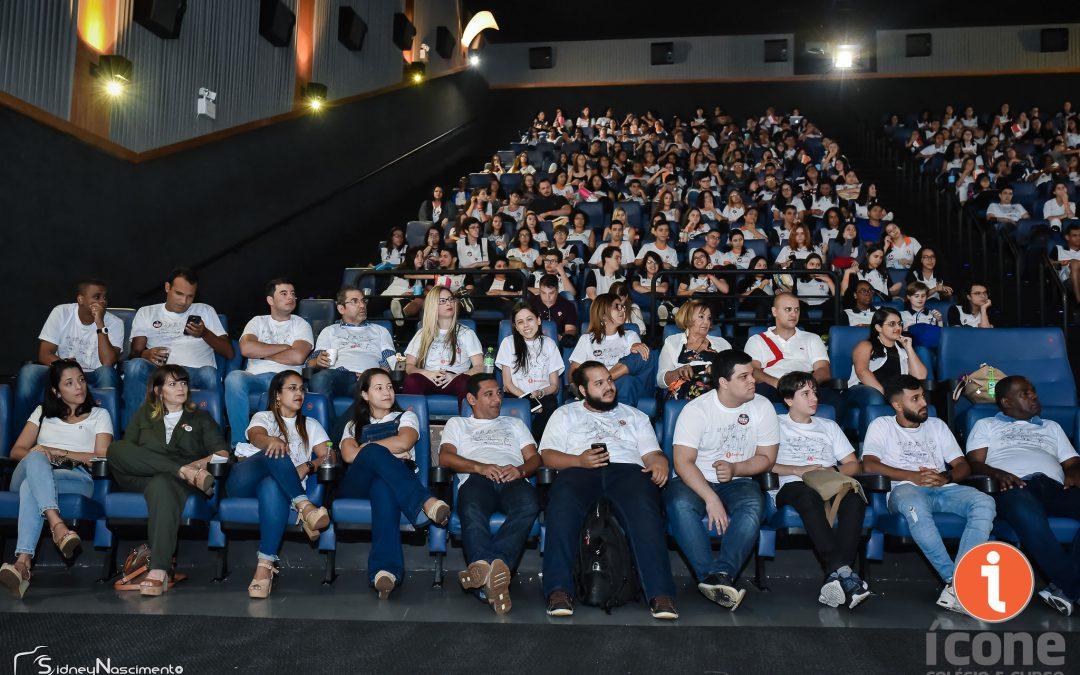 alunos e professores no aulão do enem - Via Park - Kinoplex